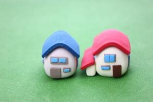 2軒の家の写真